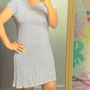 Dresses & Skirts - Blue t shirt dress